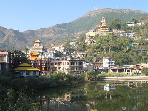 india lake town buddhist sikh hindu pilgrims himachalpradesh rewalsar theindiatree rawalsar