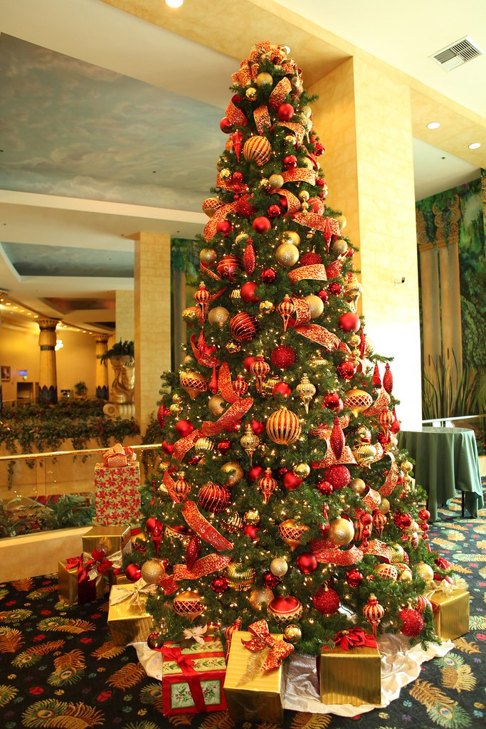 Red And Gold Christmas Tree.Red And Gold Christmas Tree Red And Gold 16ft Christmas Tr
