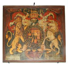 C 2 R royal arms