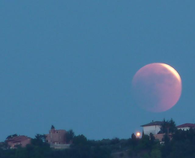 Luna rossa 1,  ECLISSE LUNARE 2011 LUNA ROSSA