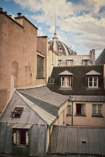 Near Rue St. Hyacinthe