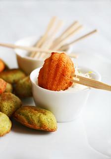 mini madeleines de pesto verde y rosso   by Lovefood.es