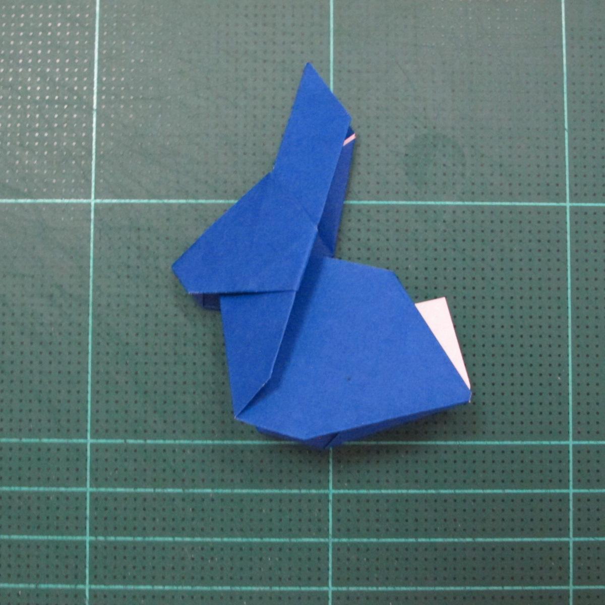 วิธีการพับกระดาษเป็นรูปกระต่าย แบบของเอ็ดวิน คอรี่ (Origami Rabbit)  026