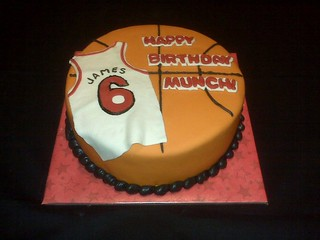 Peachy Lebron James Cake Jennifer Dean Flickr Funny Birthday Cards Online Necthendildamsfinfo