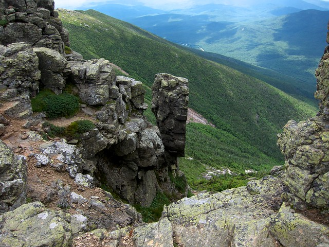 3:07:54 (52%): hiking newhampshire franconianotch franconiaridgetrail whitemountains mtlincoln franconiarange mtlafayette