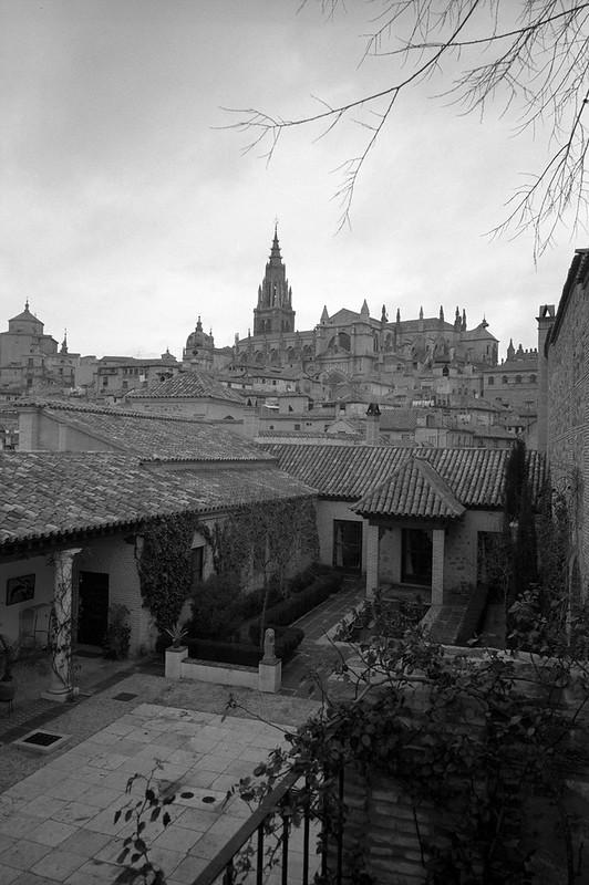 Vista de la Catedral desde el jardín del Palacio de Munárriz en 1966 © Paco Gómez/Fundació Foto Colectania