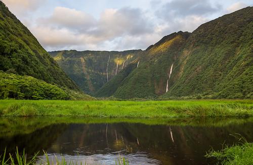 hawaii waterfalls valley bigisland waimanu