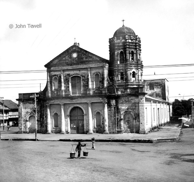 Camisa Church, Binondo, Manila, Philippines, late 19th century or early 20th century