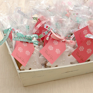 Gingerbread Snowflake Party Favors | by carriecarbajal
