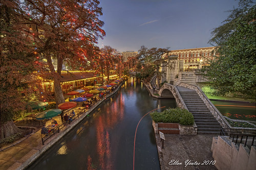 christmas bridge vacation holiday reflection tree water night sanantonio dinner river boat ellen stair texas under scene tourist palm trail riverboat resturant hdr buidling yeates umberlla theriverwalk