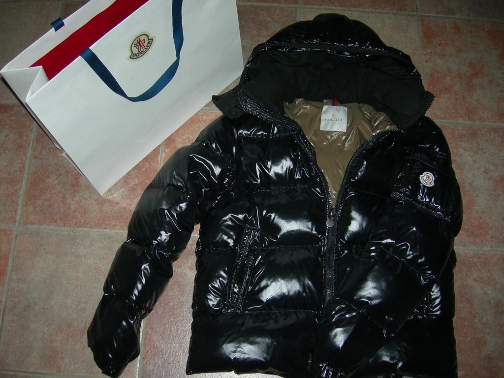 sale retailer 44a82 4377a Moncler Himalaya nero 999 | Moncler Himalaya nero 999 intern ...