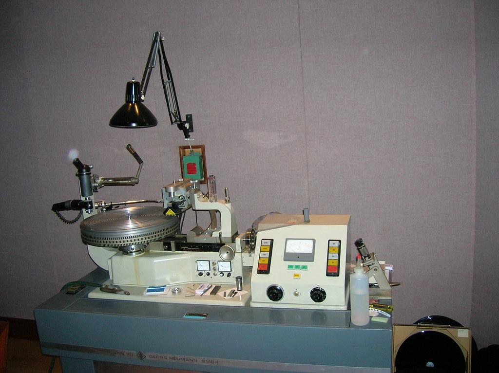 Neumann VMS-70 Cutting Lathe.