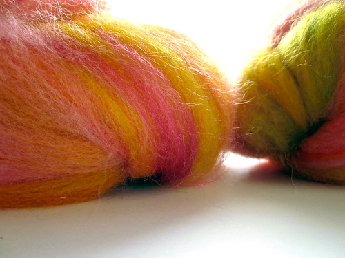 pink yellow bat spinning fiber multicolor firestar