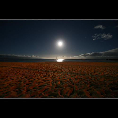 ocean longexposure sky moon color beach clouds reflections stars shadows nightshot quote wideangle luna moonlight fullframe moonset moonscape catamarans blackrock 10mm antonchekhov coth artdigital itsawonderfulworld glintoflight magicunicornverybest sailsevenseas virgiliocompany 1crzqbn pinnaclephotography kaanapalimauihi vqnight
