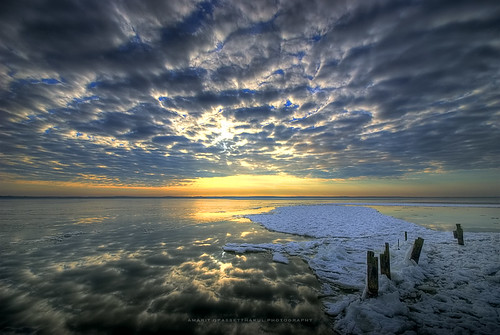 snow ice clouds sunrise virginia twilight bravo colorful newyearseve potomacriver hdr woodbridge naturesfinest leesylvaniastatepark