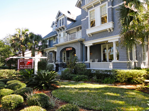 Riverdale Inn, Jacksonville, FL | by Delisa's Low Country Adventures