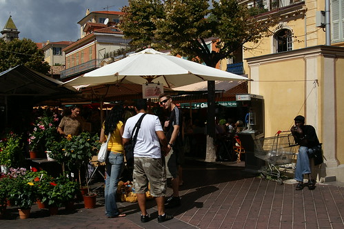 NICE - street market and the black guy