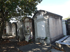 金, 2010-12-03 11:43 - Lafayette Cemetery No. 1, Garden District, New Orleans