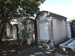 金, 2010-12-03 11:43 - Lafayette Cemetery No. 1, Garden District, New Orleans