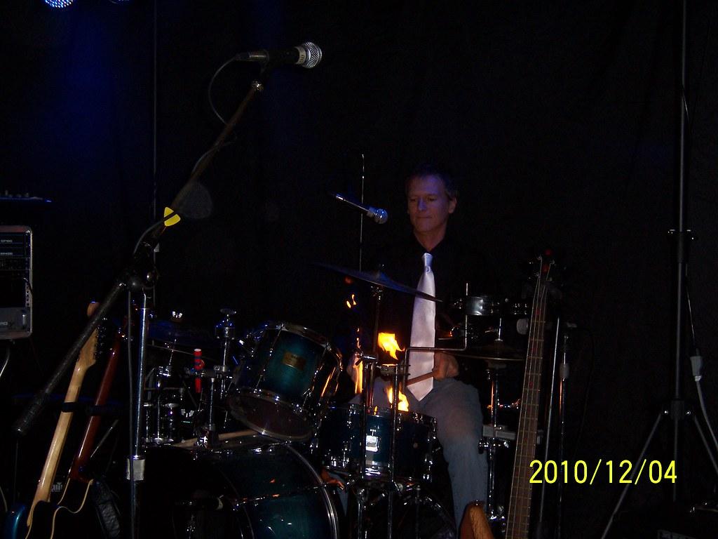 drums on fire drum solo with burning drum sticks skoury16 flickr. Black Bedroom Furniture Sets. Home Design Ideas