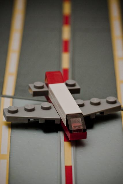2010 Lego Advent Calendar - Day 9