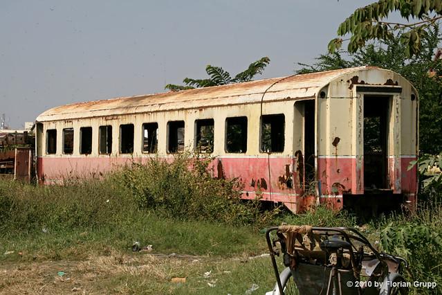 Passenger car ZZaff-802 for railcar ZZ-803 (Uerdingen, 1969) @ Phnom Penh depot