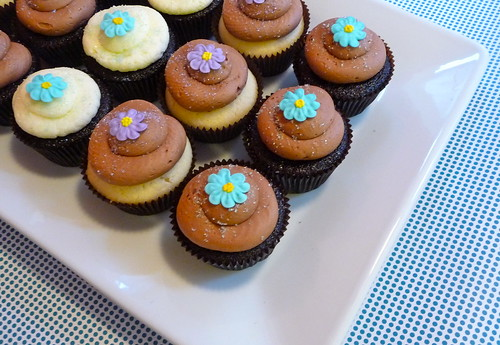 light blue + purple flower cupcakes