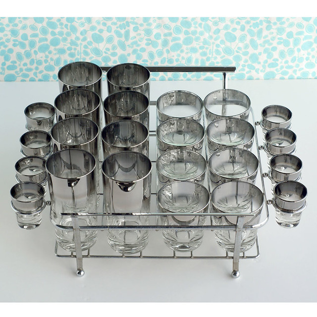 Vintage 24 Pc Ombre Glass Set in Carrier