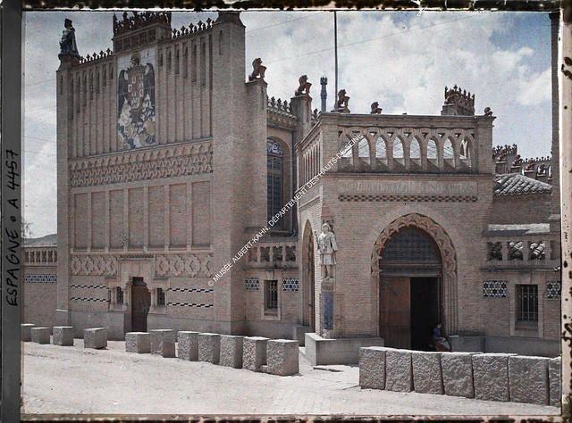 Escuela de Artes y Oficios de Toledo entre el 15 y el 17 de junio de 1914. Autocromo de Auguste Léon. © Musée Albert-Kahn - Département des Hauts-de-Seine
