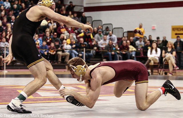165: Joey Gunther (Iowa) dec No. 15 Nick Wanzek (Minn), 5-2 | Minn 0 – Iowa 11