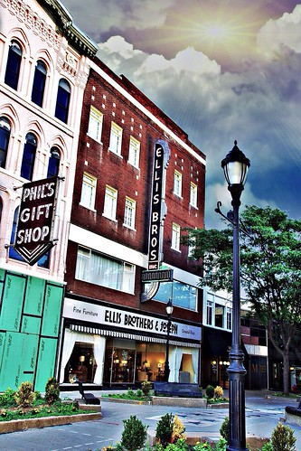 binghamton new york ny ellis brothers joseph fine furniture oriental rugs nrhp district court sky sun sunset rays retail stoore front neonsign large 100 years old onasill register attraction site outdoor vintage photo canon sl1 rebel sigma macro 18250mm phils gift shop