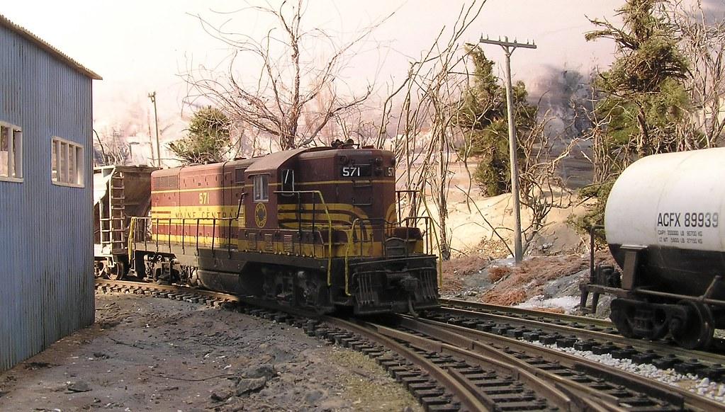 Maine Central GP-7