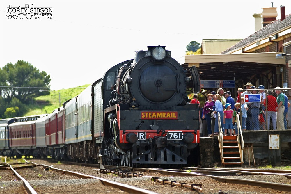 R761 at Warrnambool by Corey Gibson