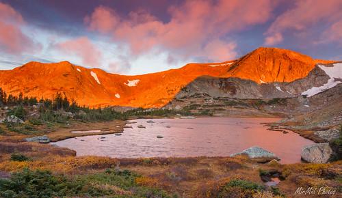 bobandbettylake bettylake lake alpine alpenglow sunrise morning colorado wilderness indianpeakswilderness indianpeaks mountain mountains october fall autumn