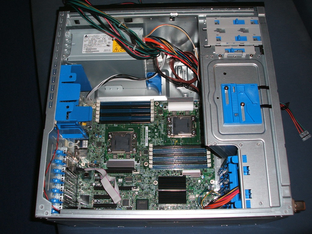Intel Server Chassis SC5650WS | kaufen? buy? e-mail an: hotn