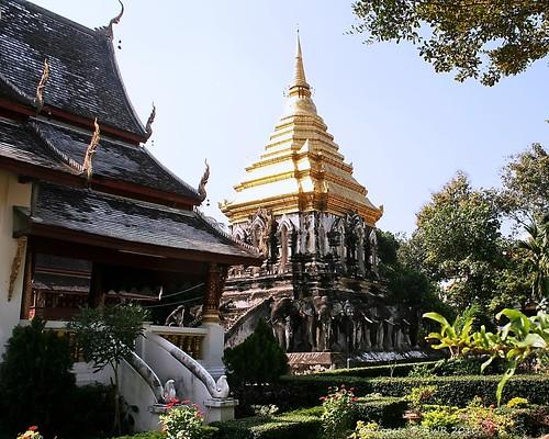 20101122_1971 Wat Chiang Man, วัดชียงมั่น | by ol'pete