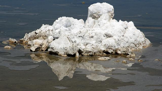 Tufa formations on Mono Lake, CA