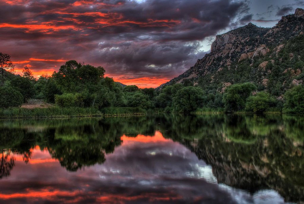 Granite Basin Lake Az.Red Sunset On Granite Basin Lake Granite Basin Lake And Gr Flickr