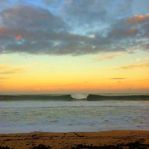ocean winter beach sunrise hawaii surf oahu wave coastal northshore izzy breakingwave iphone 1bluecanoe soothetherestlesssoul