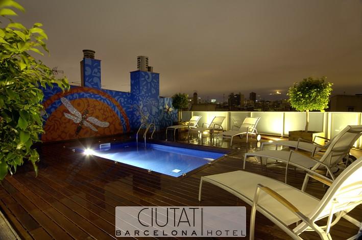 Piscina de Noche - Hotel Ciutat Barcelona