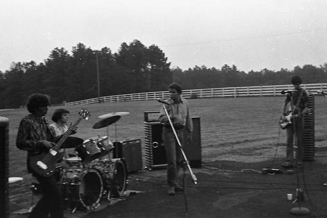 Thunder Live at Trotter's Barn (1970)