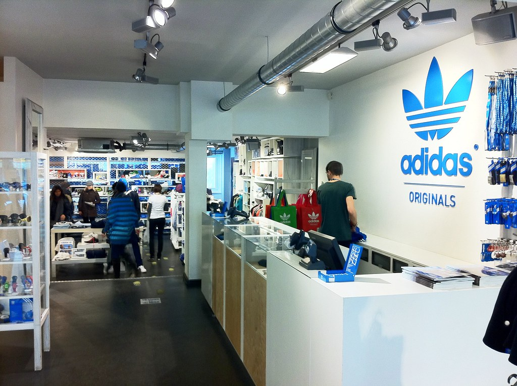 plus récent be194 0ce3e Adidas Originals Shop / Store Munich, Hohenzollern Straße ...