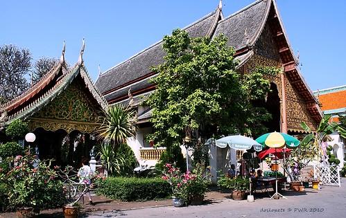 20101122_1958 Wat Chiang Man, วัดชียงมั่น | by ol'pete