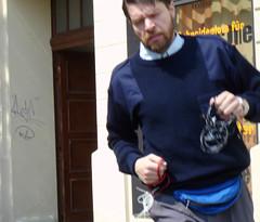 Auf dem Weg zur Arbeit   by http://gitmo.tv