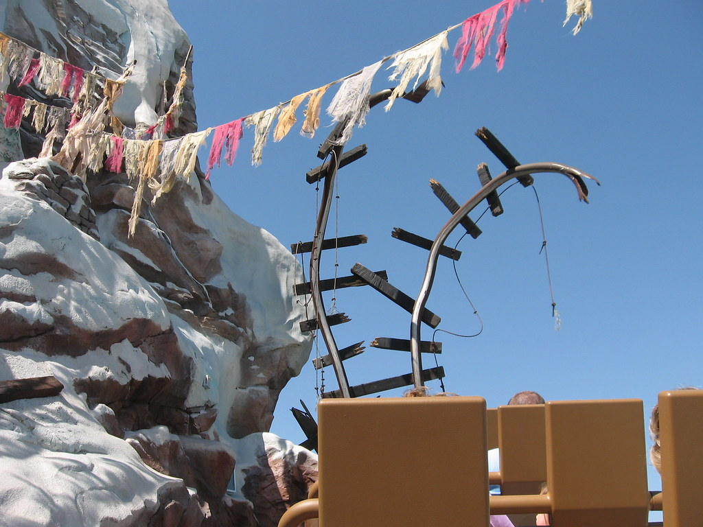 Expedition Everest Track | Train track torn up by the Yeti -… | Flickr