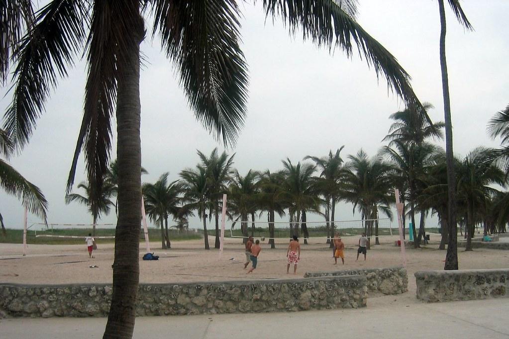 miami beach - south beach: lummus park | wally gobetz | flickr