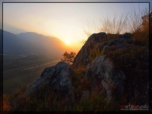 ticino tramonto svizzera piano magadino rocce falesia gudo