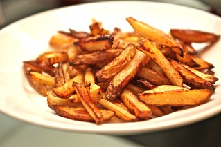olive oil French fries, yes, oven-baked | by thepinkpeppercorn
