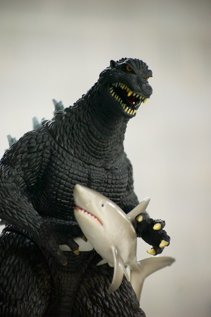 323 Godzilla vs Mega Shark   This would be a fun little