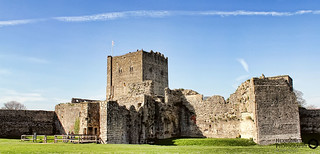 100/365 Porchester Castle | by Hexagoneye Photography